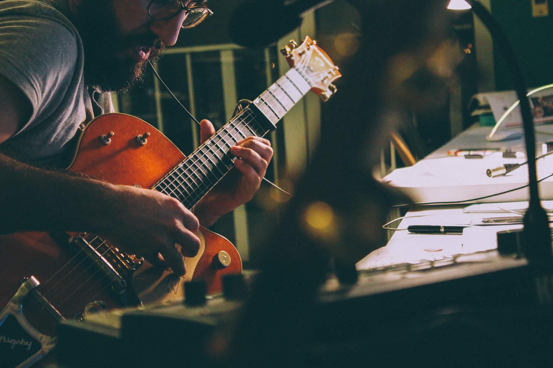 David-Mourato-kinlake-music-guitar