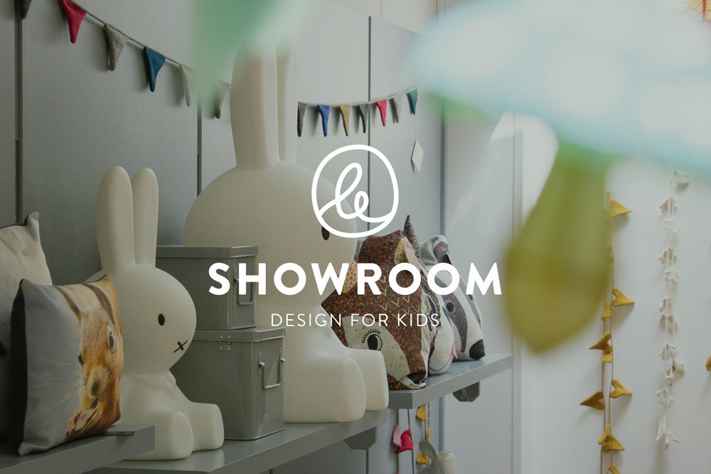 le-showroom-mockup-logo
